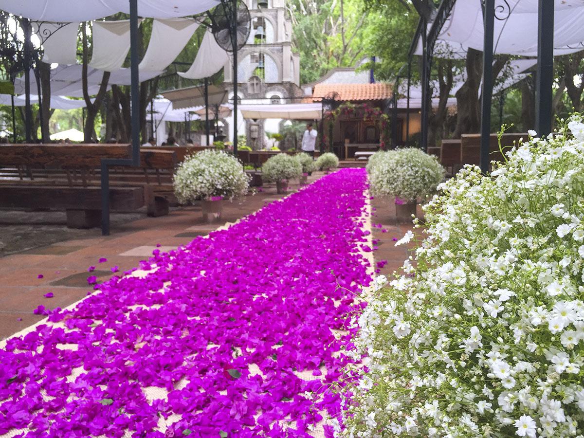 Boda camino de flores
